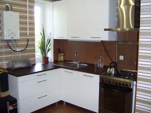 Кухни с газовыми колонками в хрущевке дизайн 33