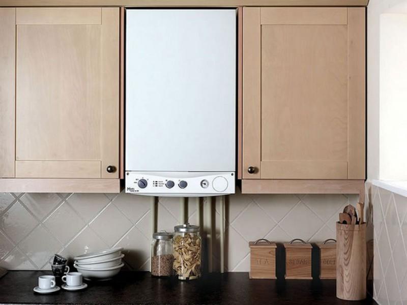 Дизайн кухни в хрущевке с газовым котлом фото