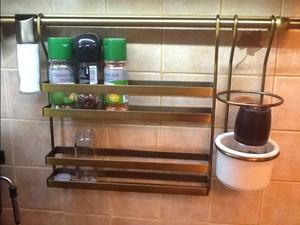 Как выбрать рейлинг для кухни и дополнительные аксессуары для него 8a11600b35d