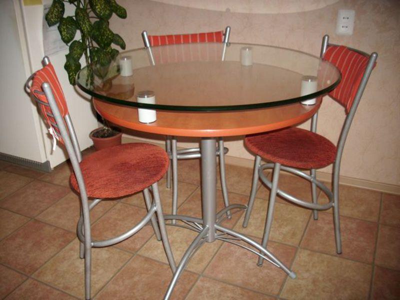 Столик для кухни фото