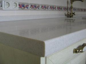 стол из камня на кухню Раменское